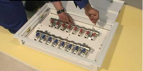 نصب جعبه کلکتور گرمایش ازکف